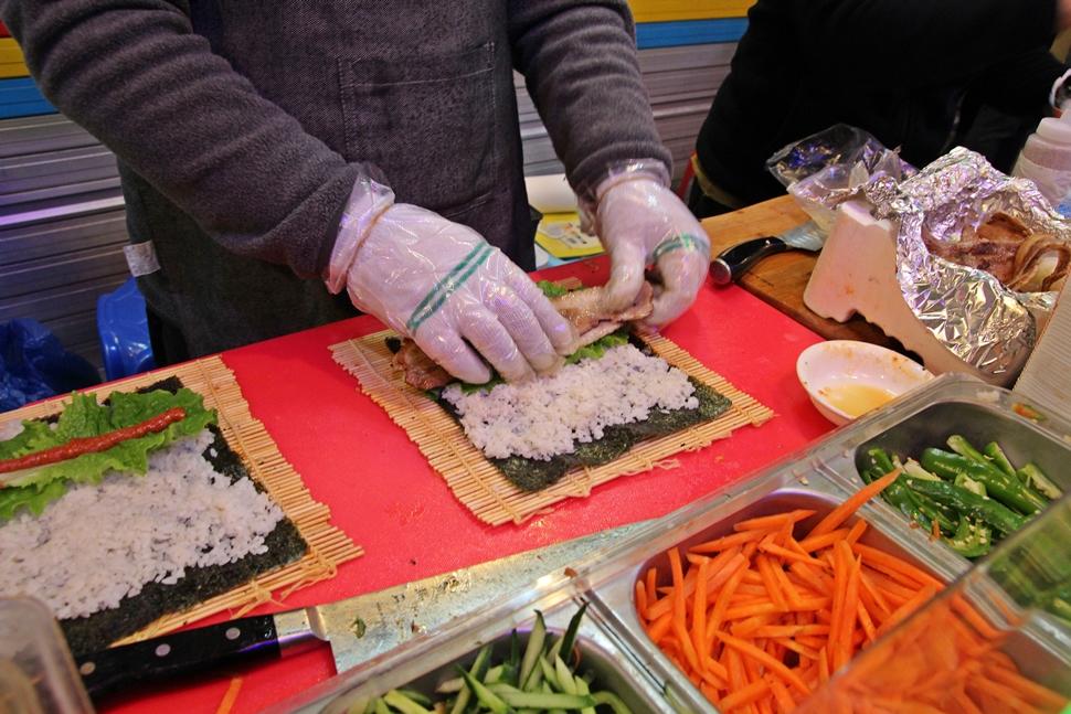 김밥과 삼겹살의 조화, 참 괜찮아 보인다.