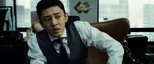 영화 <베테랑>에서 부패한 재벌 3세 '조태오'로 분해 열연했던 유아인.