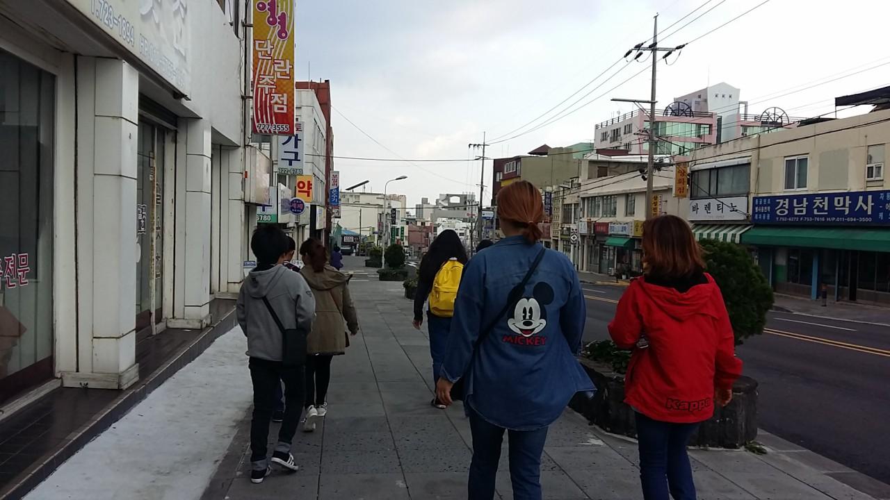 김만덕 기념관을 향해 걷고 또 걷고