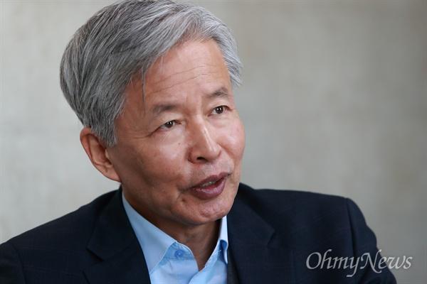 참여정부 시절 청와대 정책실장을 지낸 이정우 경북대 명예교수.