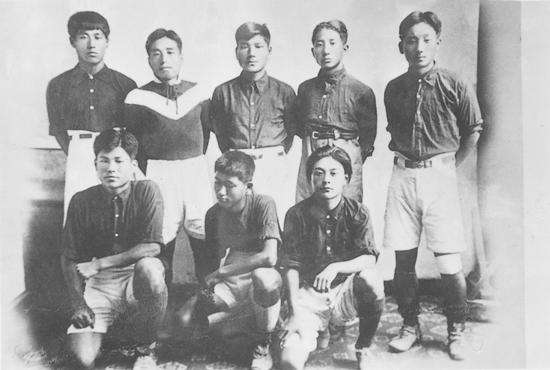 군산 평화축구단 소년팀, 뒷줄 왼쪽에서 두 번째가 채금석
