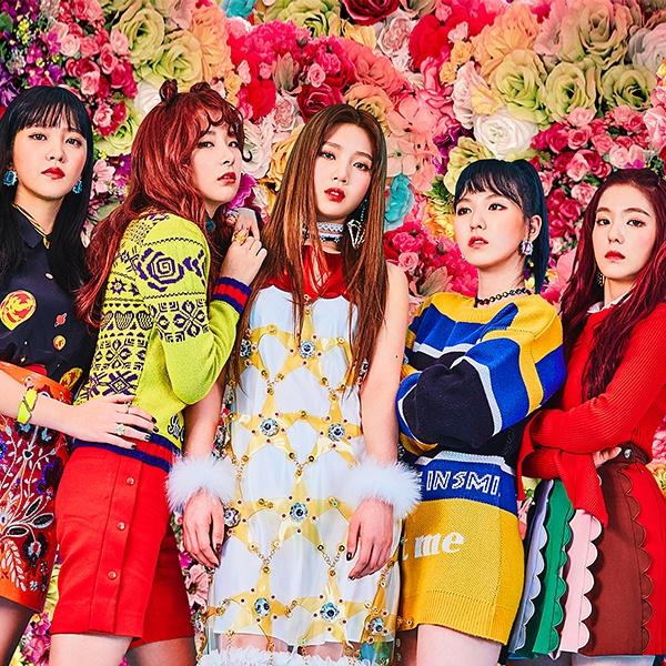 신곡 'Rookie'로 음원과 음악 방송 양쪽 모두에서 좋은 반응을 얻었던 레드벨벳.
