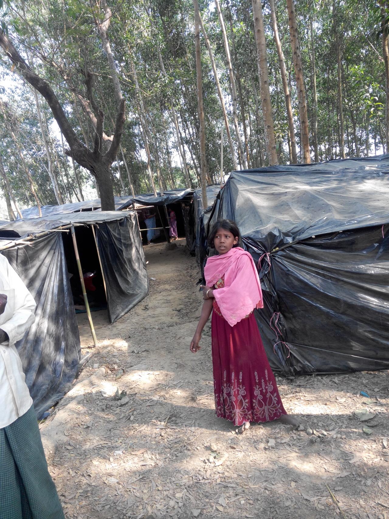 방글라데시 임시난민캠프 미얀마국경에 인접한 방글라데시 임시난민캠프 모습,