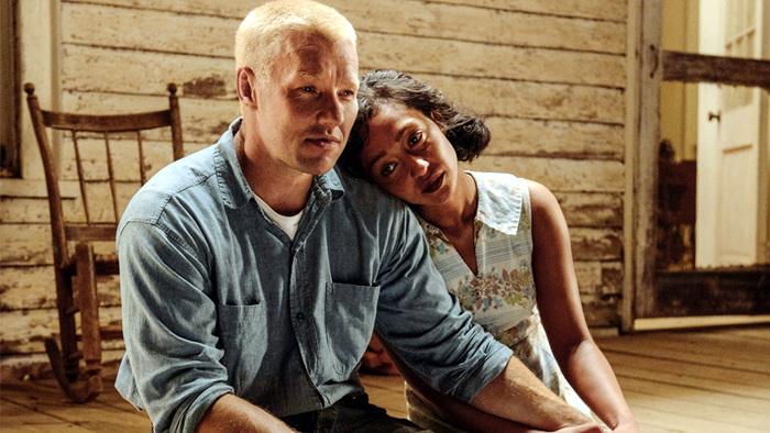 영화<러빙> 사랑하지만 '불안해'  리차드 러빙(조엘 에저튼)과 밀드레드(루스 네가)