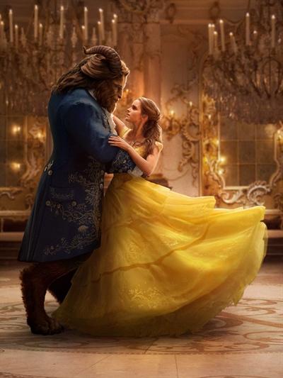 왕자 옆의 매력적인 여성으로만 남기에, 벨은 차고 넘치는 재능의 소유자이다.