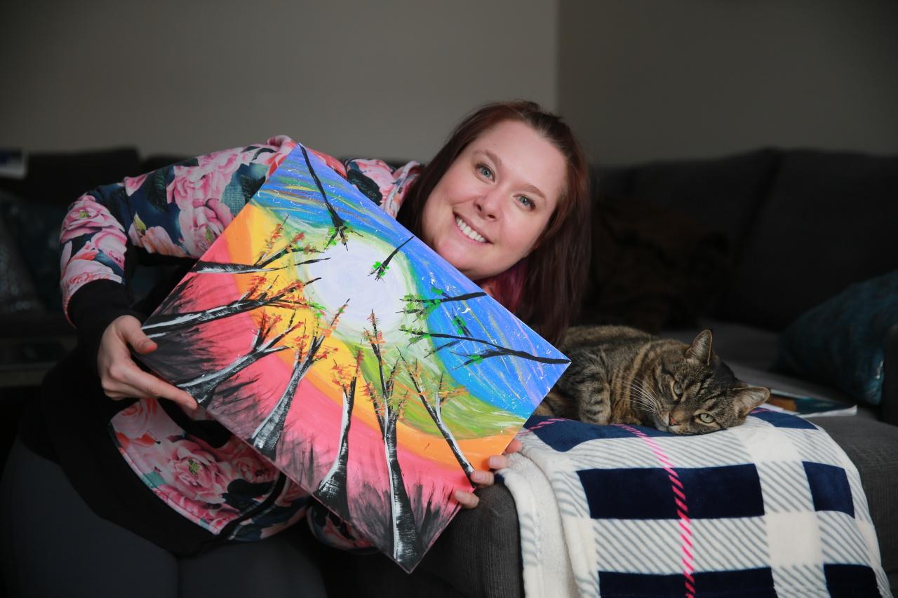 회화모임에서 그린 그림, 그리고 같이 사는 고양이 그렘린과 함께 웃는 줄리아