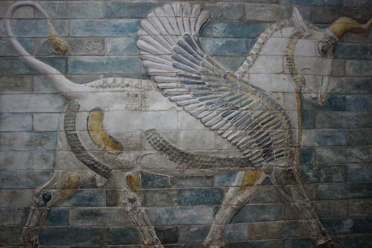 날개 달린 황소상(채색 타일)