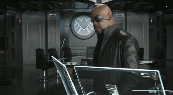 <어벤져스>에서 쉴드의 국장인 닉 퓨리로 활약했던 사무엘 잭슨. 우리가 익히 기억하고 있는 모습이다.