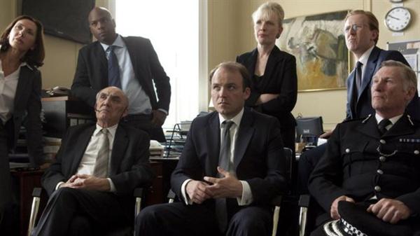 영국 드라마  <블랙 미러> 시즌1 'The National Anthem' 의 한 장면.