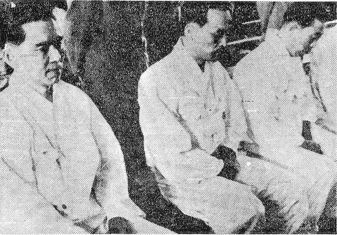 4월 혁명 뒤에 재판을 받는 홍진기(왼쪽).