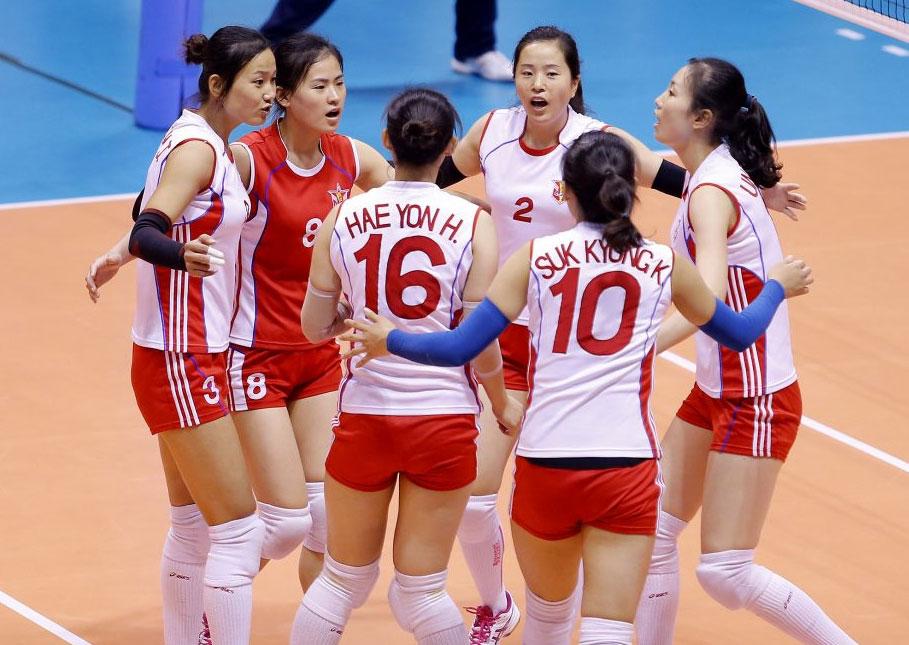 북한 여자배구 국가대표가 대거 포함된 4.25 팀, 2016년 아시아클럽선수권대회 경기 모습... 맨 왼쪽 3번 선수가 북한 국가대표 주포인 정진심(26세·182cm)이다.