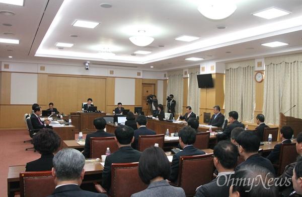 대전시의회 교육위원회가 대전광역시교육청 학생인권조례안을 지난 1월 임시회에 이어 28일 또 다시 심의 유보를 결정했다.