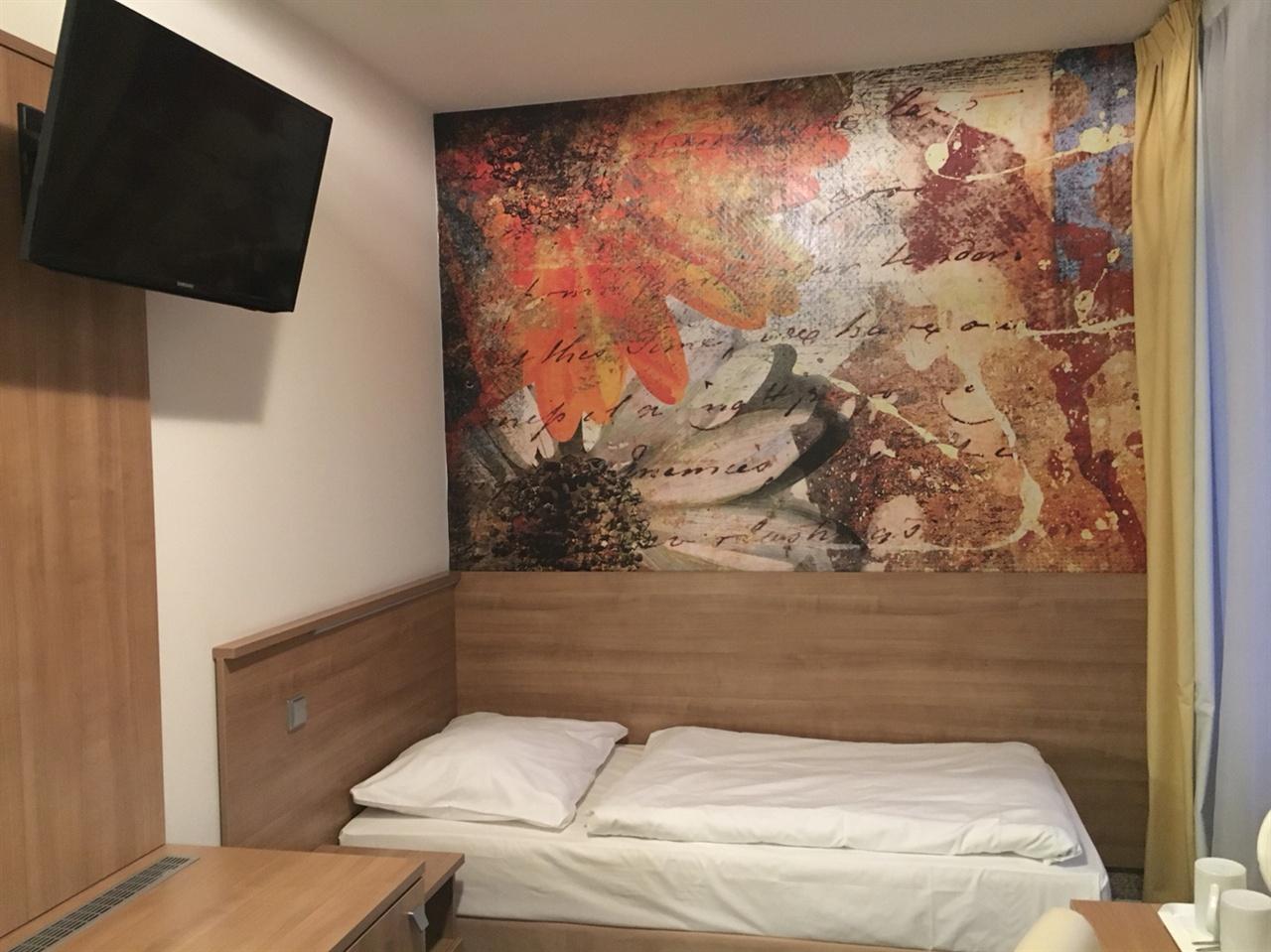악센트 호텔 객실 내부의 모습