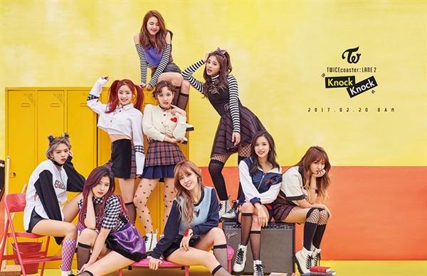 트와이스는 지난 2월 발표한 신곡 `Kncok Knock`로 주요 음원 사이트 3월 결산 순위 정상을 차지했다.