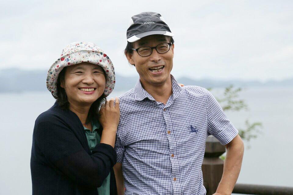 은퇴 후 '탈핵운동을 하기 위해' 고향 마산으로 내려온 박종권 대표. 든든한 지지자인 아내 유해영씨도 남편을 따라 환경운동연합 여성위원회에서 활동했다.