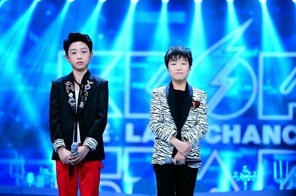 < K팝스타6 >의 우승을 차지한 보이프렌드. 이 프로그램은 '후보정' 논란으로 여러 차례 곤욕을 치렀다.