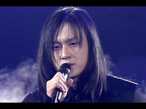 김경호의 최전정기 1998년의 모습. 카리스마 넘치는 무대, 멋지다.