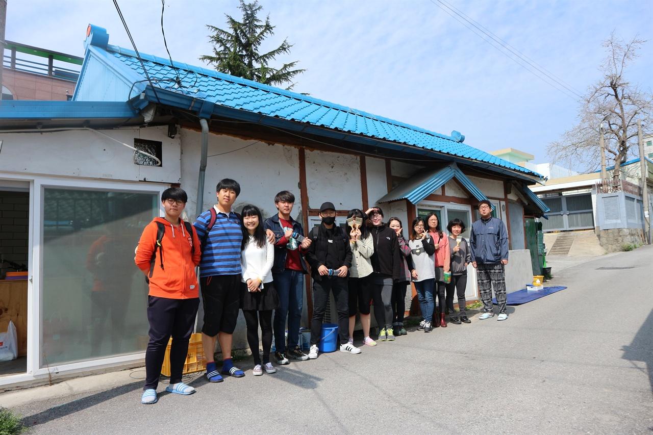 세월호 3주기 벽화 프로젝트를 함께 한 강릉 청년들