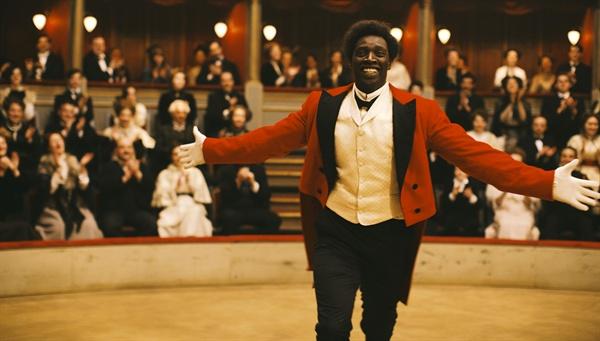 연예인에서 시작해 광대로 나아가고자 했지만, 흑인이기 때문에 진정한 광대가 되지 못한 쇼콜라. 다른 길을 택한다.
