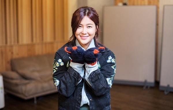 솔비는 지난 2016년 12월 '손모아장갑'이라는 새 싱글을 발표해 무분별하게 '벙어리장갑'으로 쓰이는 단어의 인식 개선을 주문했다.