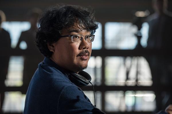 영화 <옥자>의 스틸 이미지. 넷플릭스를 통해 공개될 이 작품에 많은 관심이 쏠리고 있다.