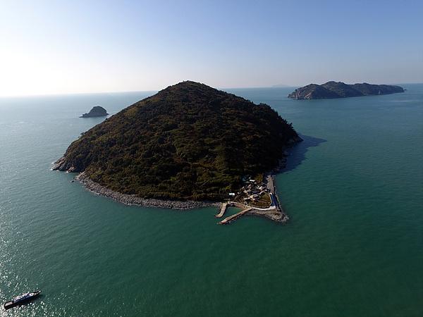 드론으로 촬영한 원도 모습. 섬이 둥글어 원도라 불렸다