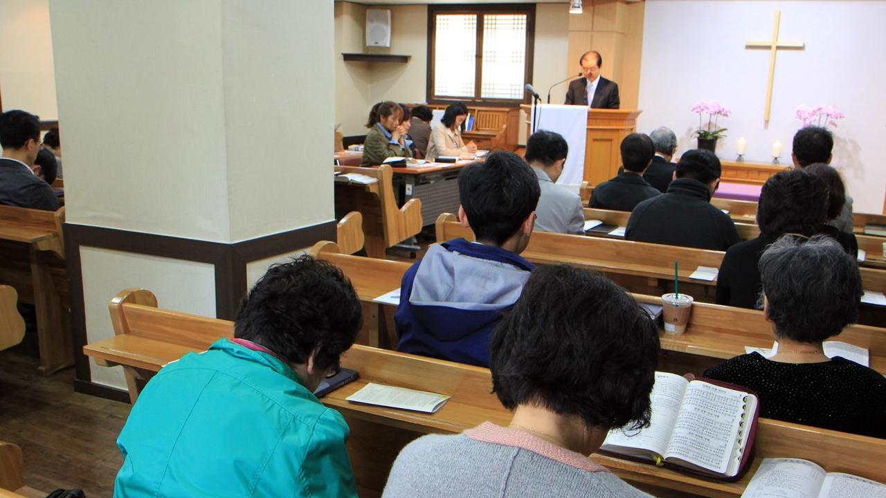 부활절 두 번째 주일인 4월 23일 삼일교회 교인들이 예배를 드리고 있다.