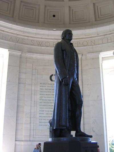 미국 제퍼슨 기념관에 세워진 제3대 대통령 토머스 제퍼슨의 동상