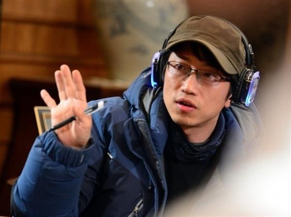 장태유 감독은 SBS 드라마 프로듀서로 활동하면서 '별에서 온 그대' '뿌리깊은 나무' '바람의 화원' 히트작 드라마를 다수 연출했다.