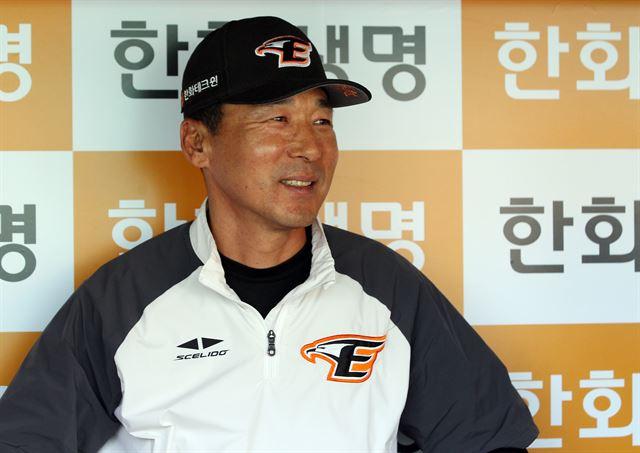 한화 이상군 감독 대행
