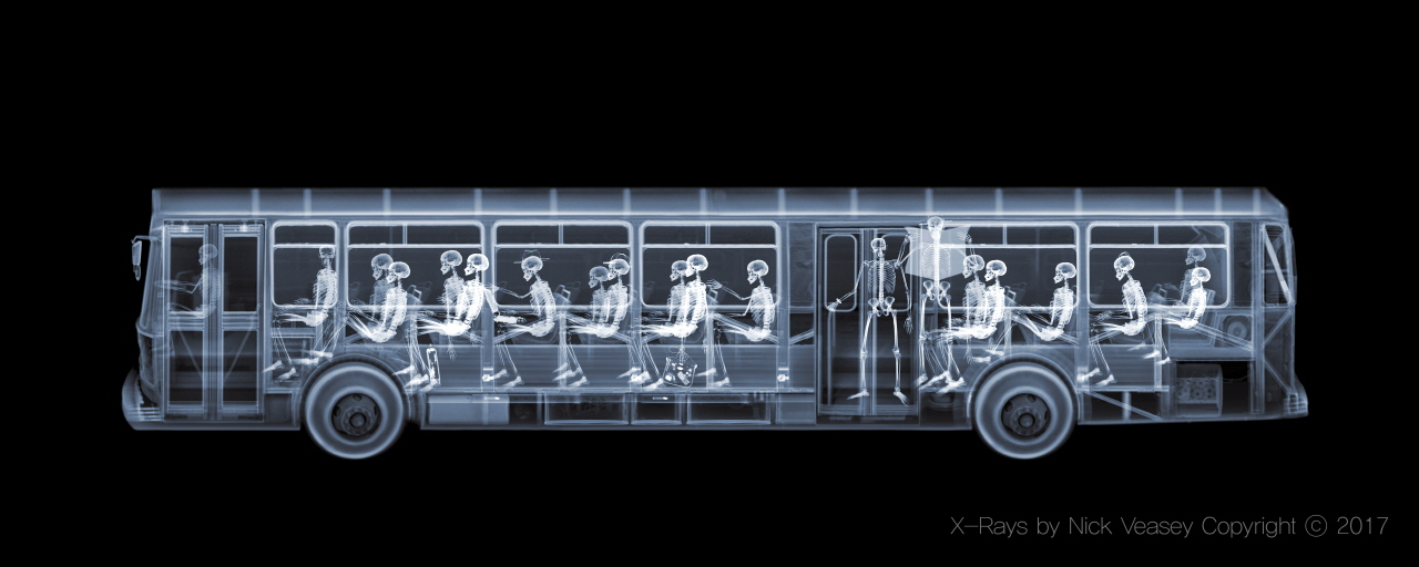 Nick Veasey <Bus>(1998)