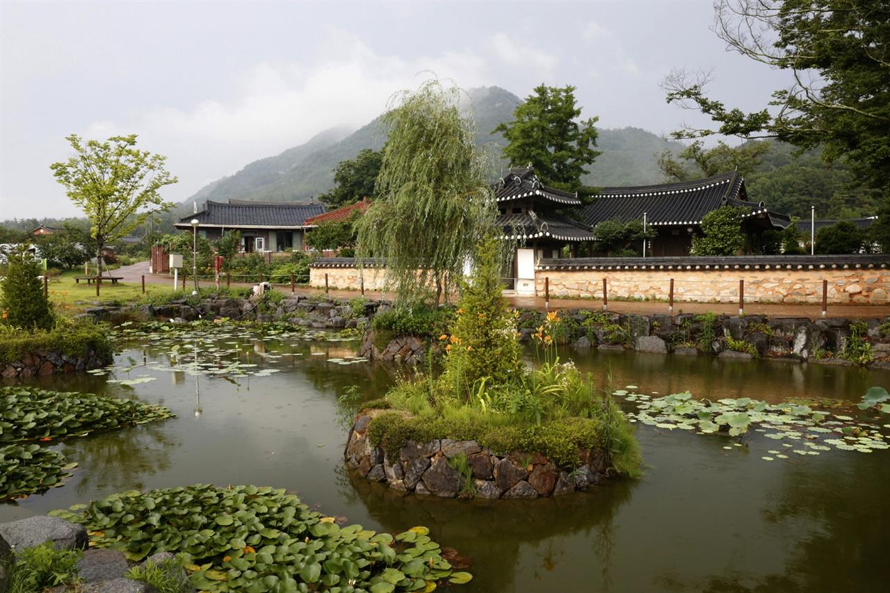 오랜 전통의 도래마을 풍경. 풍산 홍씨의 집성촌이다. 전남산림자원연구소에서 아주 가깝다.
