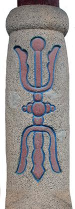 건봉사 불이문에 새겨져 있는 금강저(일종의 무기)는 이곳이 사명대사의 의승군 창의 및 훈련지라는 사실을 상징하는 듯 여겨졌다.