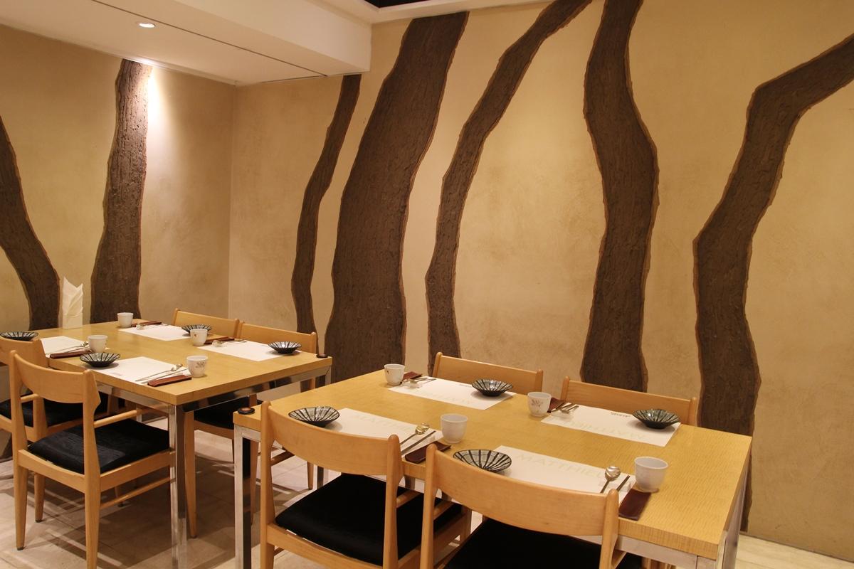 호텔 마띠유 여수, 한려관 한식당의 실내 전경이다.