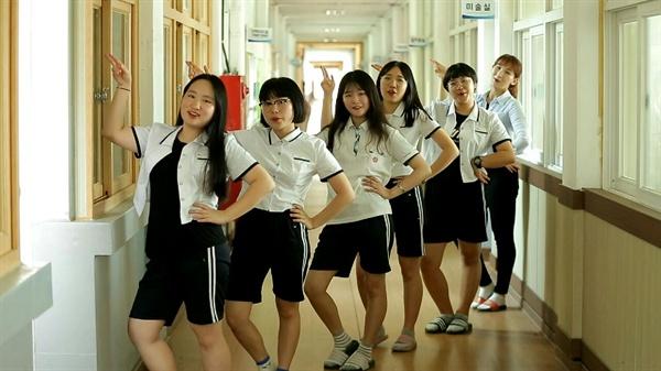 경남도교육청이 촬영하고 있는 학교폭력 예방 뮤직비디오의 한 장면.