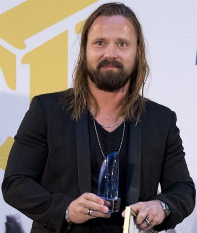 프로듀서 맥스 마틴은 방과 후 음악 교육의 대표적 수혜자다. 2014년에는 스웨덴 음악 수출 대상을 수상한 바 있다.
