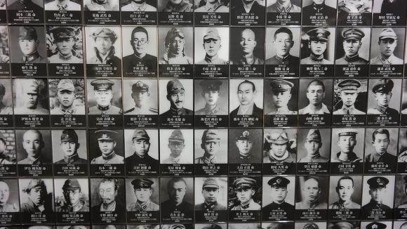 마지막 전시실에 도배되어 있던 야스쿠니 합사자들의 사진