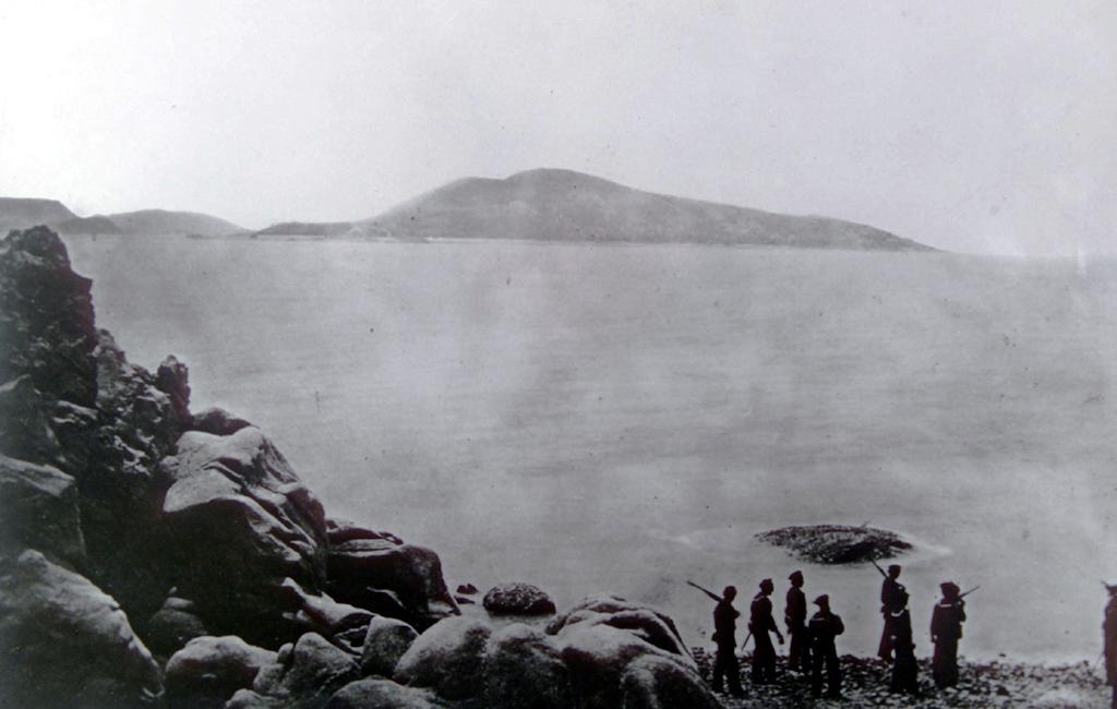 신미양요 때 미군 병사의 모습. 19세기 중엽부터 한반도 근해에는 제국주의 배들의 침탈이 잦았다. 특히 이들은 한반도 연근해에서 불법으로 고래를 무차별 포획했다.