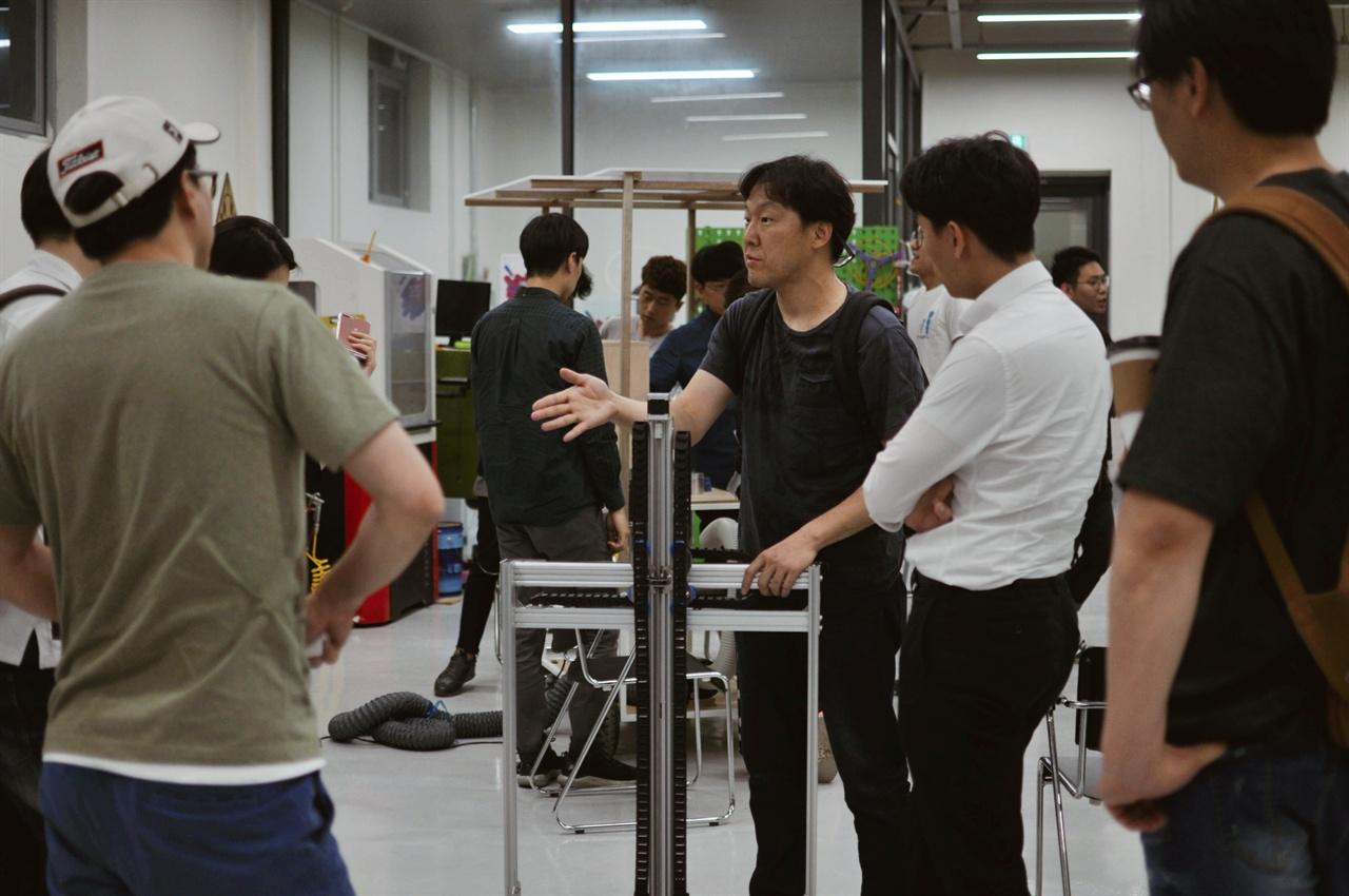 서울이노베이션팹랩은 밭봇 팀과 시민의 만남의 장이다