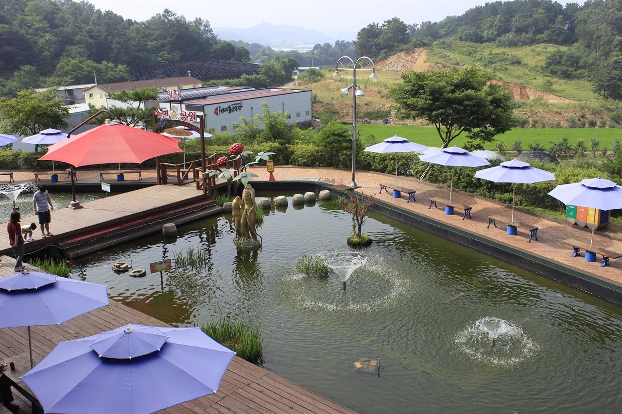 인삼랜드휴게소는 통영여행길 잠시 들르는 '휴양휴게소'로 적합하다.