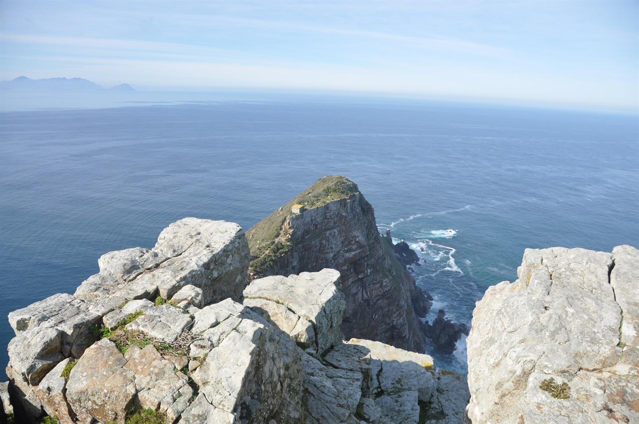 케이프포인트 룩아웃포인트등대 정상에서 내려다보이는 바다