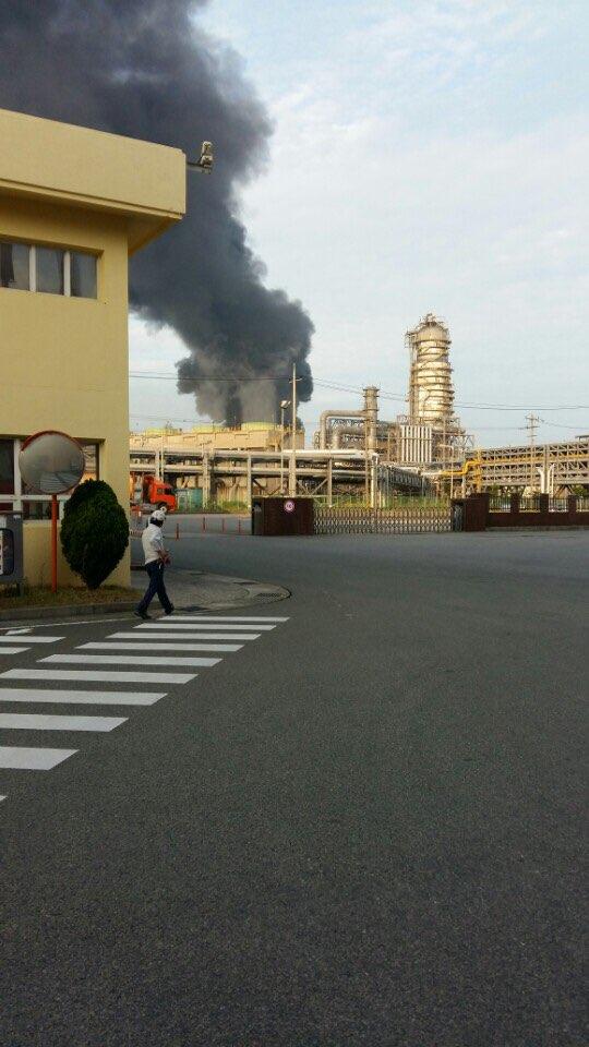 폭발사고로 화재가 번지고 있는 GS칼텍스2공장