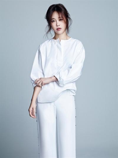 `드라마 OST의 여왕`으로 불리우는 백지영.  드라마 OST 업계에서 선호하는 가창자 중 한명이다.