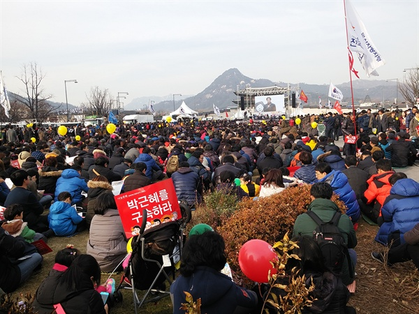 지난 겨울, 서울 광화문 촛불집회.