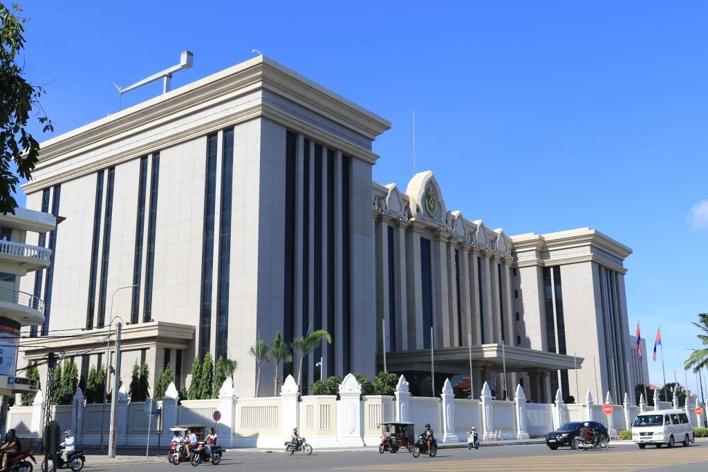 현재 훈센 총리의 집무공간로 쓰이고 있는 평화궁전(Peace Palace)의 모습.