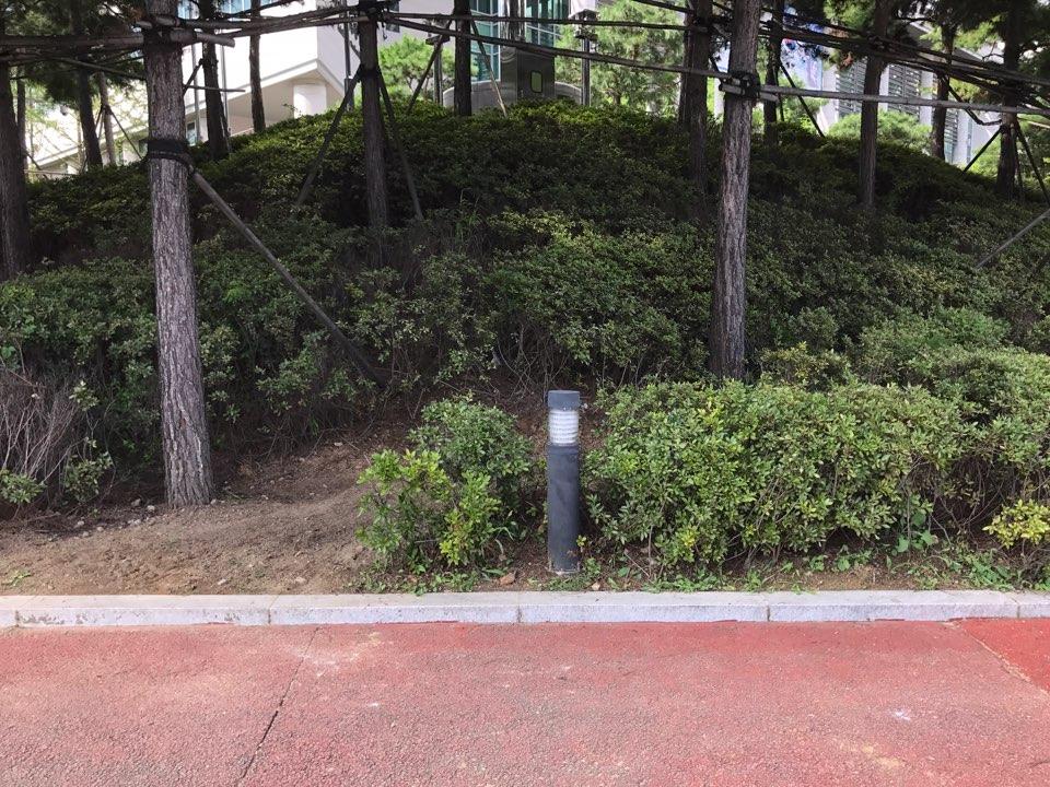 22일 오후 서울 마포구 상암동 박정희 전 대통령 기념·도서관의 표지석이 사라졌다.
