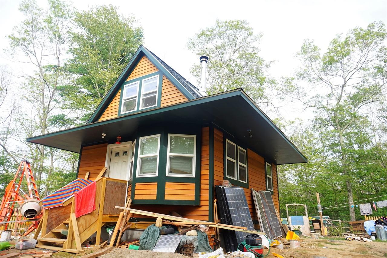 10평자리 원목주택 프리건 헤이워드가 짓고 있는 원목주택