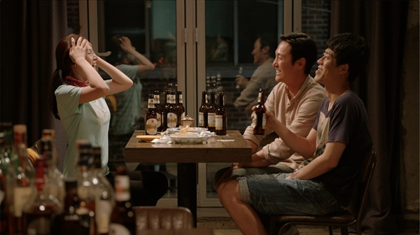 영화 <김감독>의 한 장면. <김감독>은 김미경 감독의 자전적 이야기이자, 그가 관찰한 이야기이다.