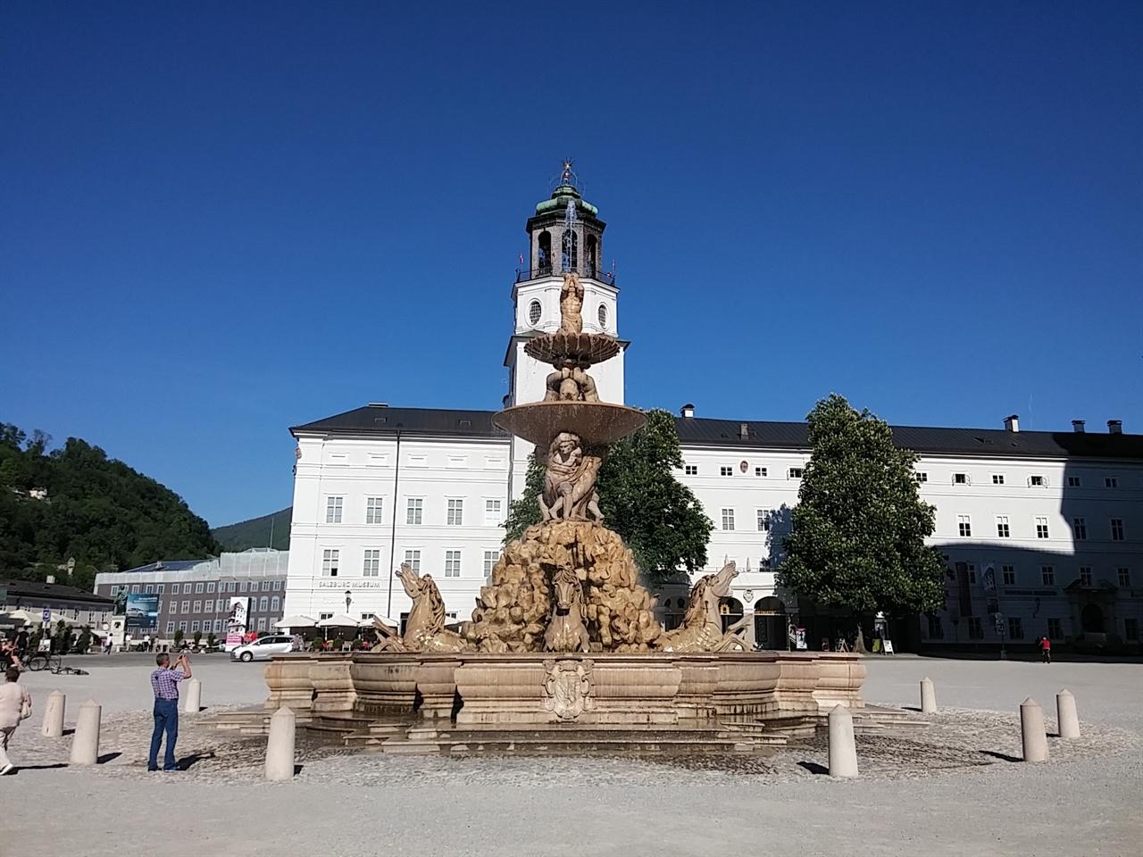 레지덴츠 광장(Residenz Platz)