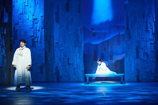 동명의 영화를 원작으로 삼은 뮤지컬 <서편제>가 서울 광림아트센터 BBCH홀에서 개막했다. 판소리를 주제로 한 이 작품은 현대적 음악과 전통적 음악을 조화롭게 한 무대에 모은 수작으로 꼽힌다. 지난 8월 31일 개막하여 오는 11월 5일까지 상연된다.